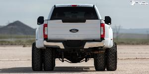 Ford F-350 Super Duty with Fuel Dually Wheels Maverick Dually Front - D538