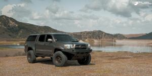 Toyota Tacoma with Fuel 1-Piece Wheels Nitro - D669