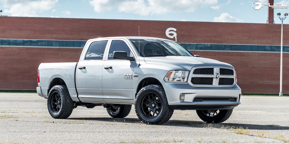 Dodge Ram 1500 2018 STYLES Tech - D670