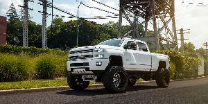 Chevrolet Silverado 2500 HD with Fuel 2-Piece Wheels Cleaver - D240