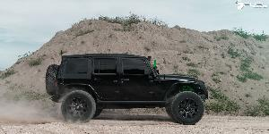 Jeep Wrangler with Fuel 1-Piece Wheels Contra - D616