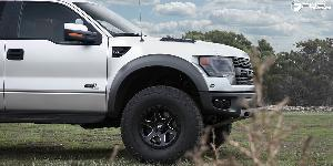 Ford F-150 Raptor with Fuel 1-Piece Wheels Ripper - D590
