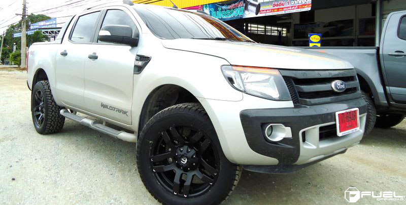 photo pick up en ford ranger off road