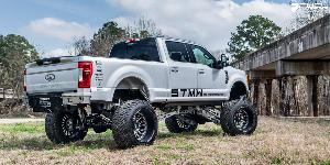 Ford F-250 Super Duty with Fuel Forged Wheels FF16