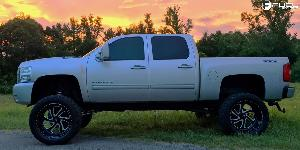 Chevrolet Silverado 2500 HD with Fuel Forged Wheels