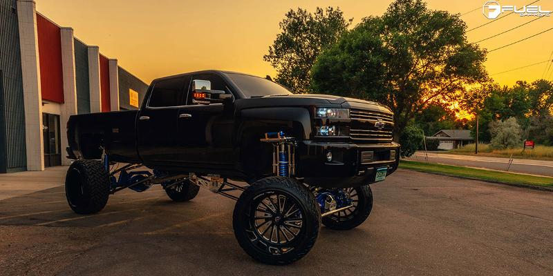 Chevrolet Silverado 2500 HD with Fuel Forged Wheels FF16