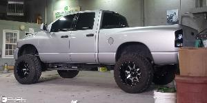 Dodge Ram 1500 with Fuel Deep Lip Wheels Maverick - D537