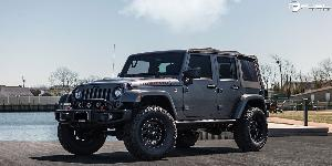 Jeep Rubicon with Fuel 1-Piece Wheels Revolver - D525