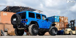 Jeep Wrangler with Fuel 1-Piece Wheels Trophy - D551