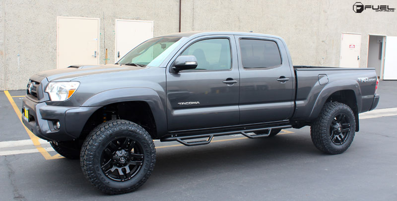 Toyota Tacoma with Fuel 1-Piece Wheels Pump - D515