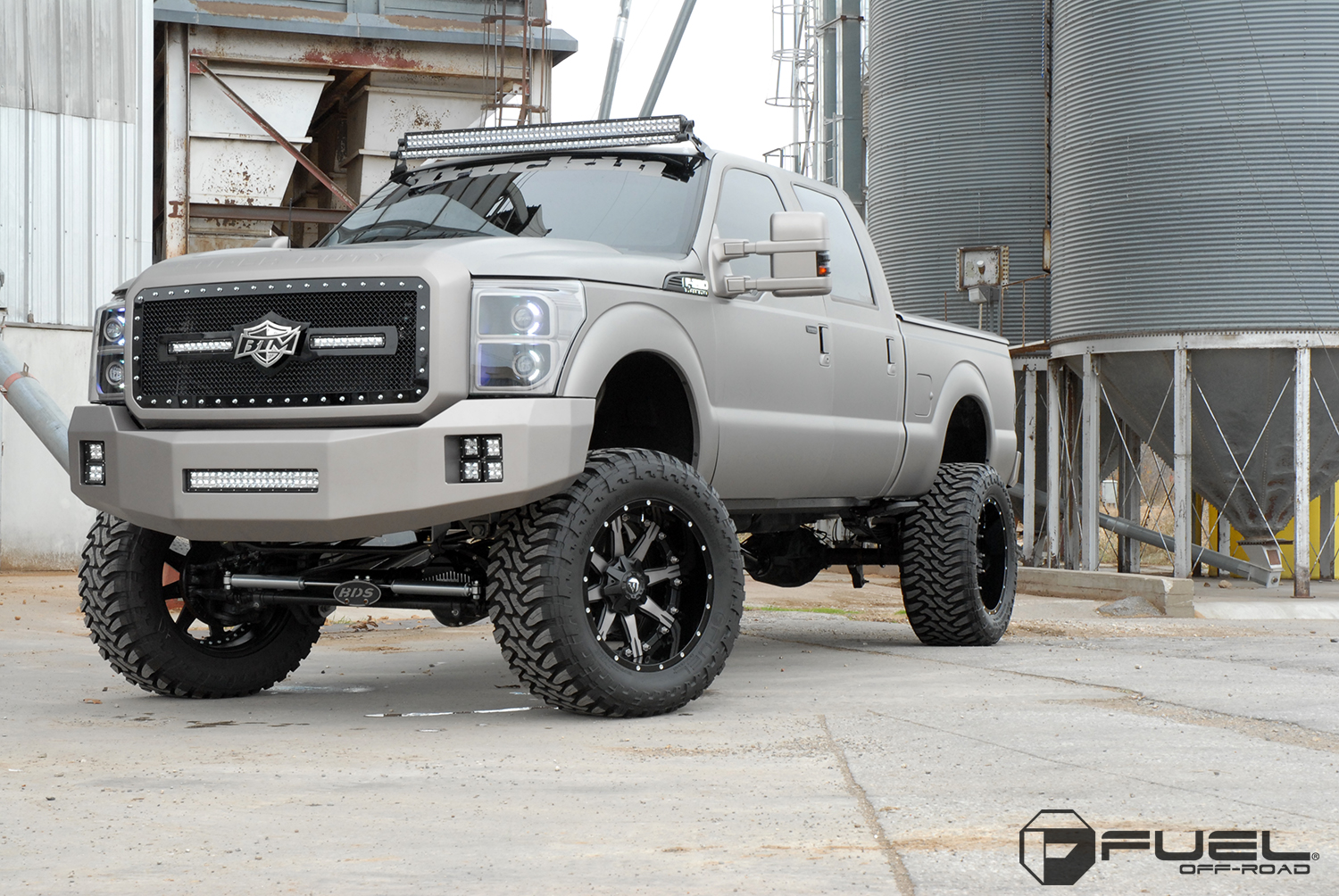 Ford F  With Fuel  Piece Wheels Nutz D