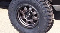 Chevrolet Silverado 2500 HD with Fuel 1-Piece Wheels Trophy - D552