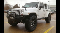 Jeep Sahara with Fuel 1-Piece Wheels Throttle - D513