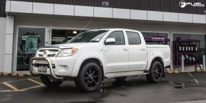 Toyota Hilux with Fuel 1-Piece Wheels Coupler - D556