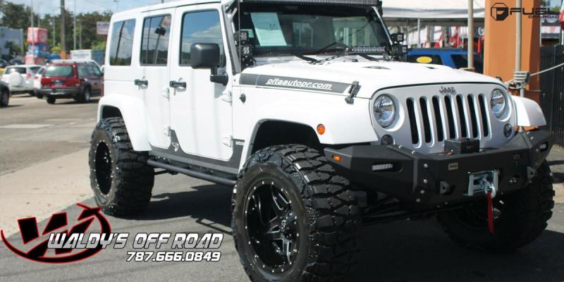 Jeep Wrangler with Fuel Deep Lip Wheels Full Blown - D554