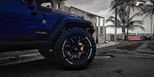 Jeep Wrangler with Fuel 2-Piece Wheels Nutz - D251