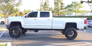Chevrolet Silverado 2500 HD with Fuel 2-Piece Wheels