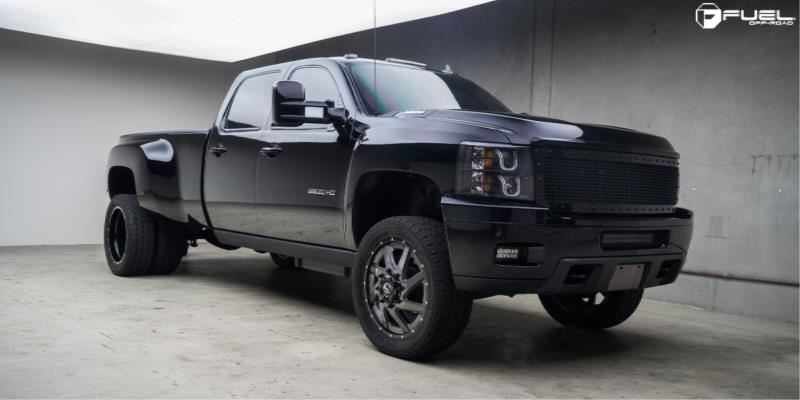 Chevrolet Silverado 3500 HD Renegade Dually Front - D265