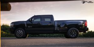 Chevrolet Silverado 3500 HD with Fuel Dually Wheels Renegade Dually Front - D265