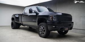Chevrolet Silverado 3500 HD with Fuel Dually Wheels Renegade Dually Front - D265