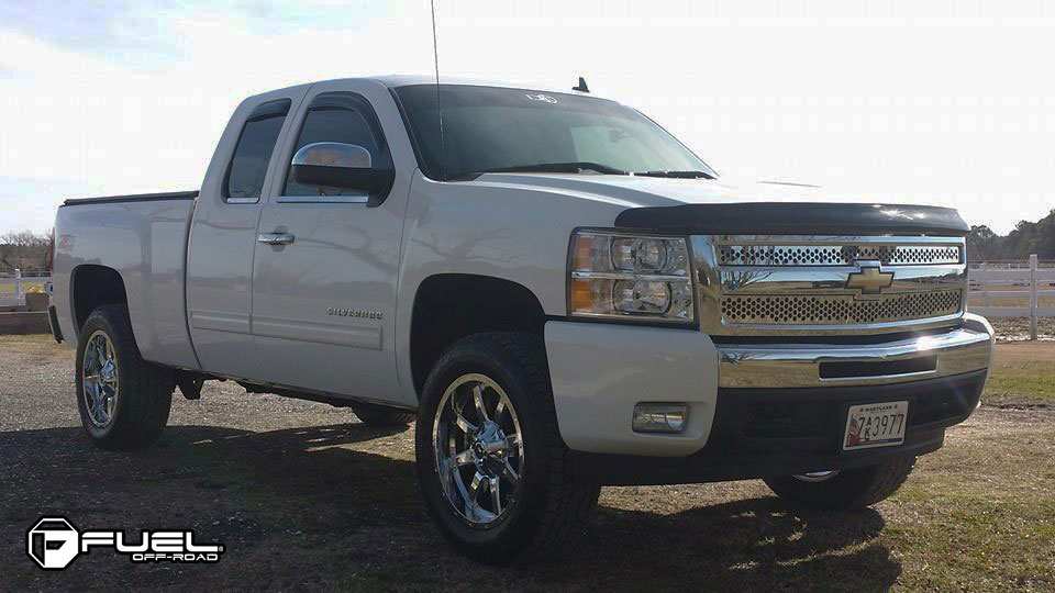 Chevrolet Silverado 1500 with Fuel 1-Piece Wheels Maverick - D536
