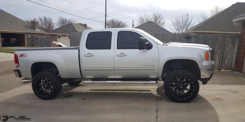GMC Sierra 2500 HD with Fuel 1-Piece Wheels Lethal - D567