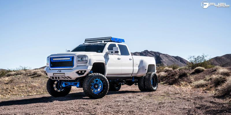 GMC Sierra 2500 HD Dual Rear Wheel with Fuel 2-Piece Wheels