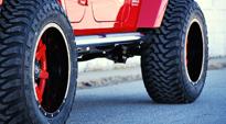 Jeep Sahara with Fuel 1-Piece Wheels