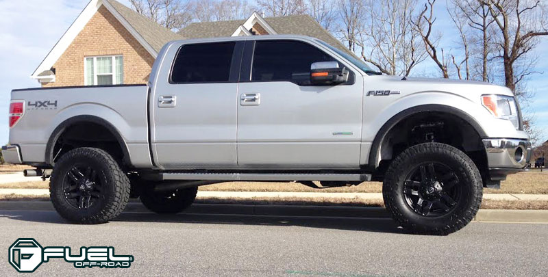 Ford F-150 with Fuel 1-Piece Wheels Pump - D515
