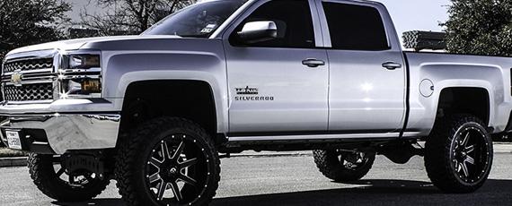 2014 Silverado on 22x12 Maverick!